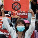 Manifestazioni in Myanmar a seguito del colpo di Stato (Fonte: Wikipedia)